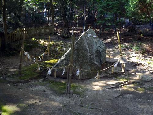 白髭神社 岩