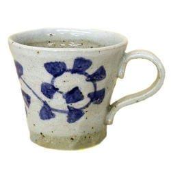 画像1: マグカップ 手造り 染付唐草 [美濃焼]