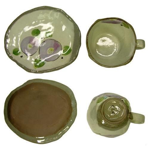 手描花椿 コーヒー碗皿(紫)上から