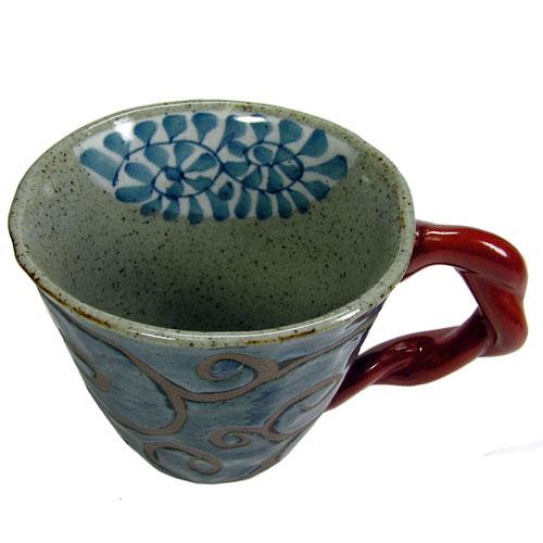 陶器のマグカップ  サビ唐草(赤) 波佐見焼 内側