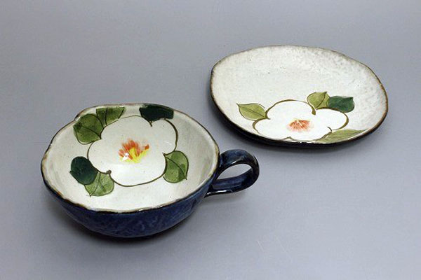 カップ&ソーサー コーヒー碗皿 色釉白花 皿と椀