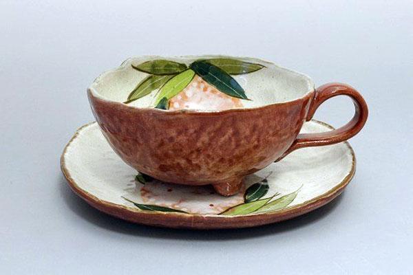 カップ&ソーサー コーヒー碗皿 色釉紅花 正面