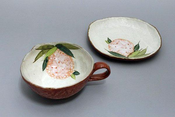 カップ&ソーサー コーヒー碗皿 色釉紅花 皿と椀