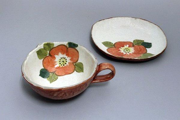 カップ&ソーサー コーヒー碗皿 色釉赤花 皿と椀