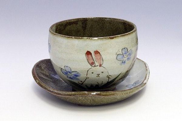 陶碗皿 花兎(青) 正面