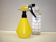 抗菌と減菌と消臭のための銀イオン水を作っている写真