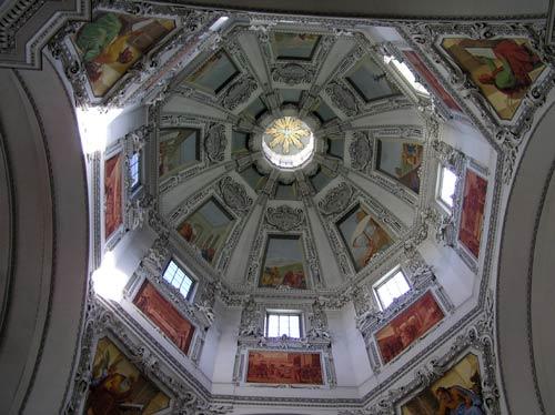 ザルツブルグ大聖堂の天井