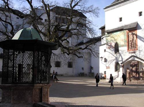 ホーエンザルツブルク城の城内