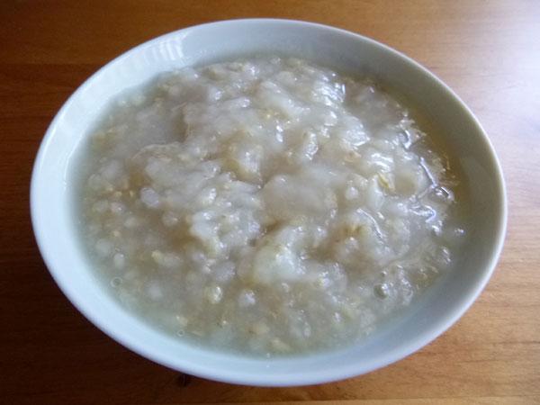 発芽玄米の温泉粥。