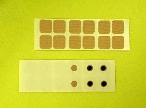 ラジウムセラミックチップRa-B/Eをプラスターに貼って首や肩に付ける。