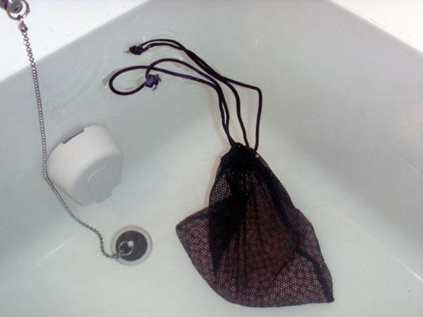 ゼオライトセラミックボールを入浴に使用する。